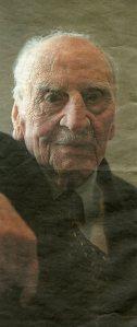 Ayala, Francisco a los 101 años