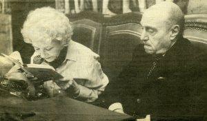 Pinillos con su mujer Margarita Sanjuán en su última lectura pública001