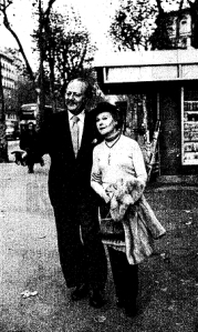 Rosita con Negrín Barcelona 1980