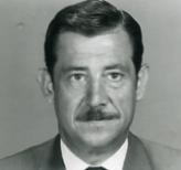 García-Abrines con bigote