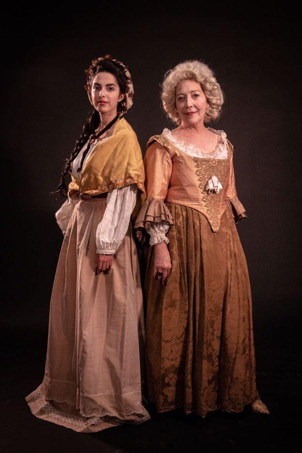 Minerva Arbués y Mª José Moreno como Andrea Casamayor. Fotog de Claudia Ballester